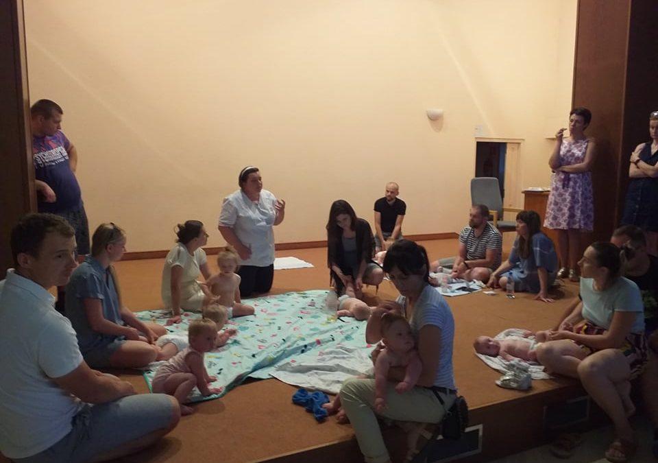 Grupa wsparcia z warsztatami masażu Shantala prowadzonymi przez dr Beatę Głodzik